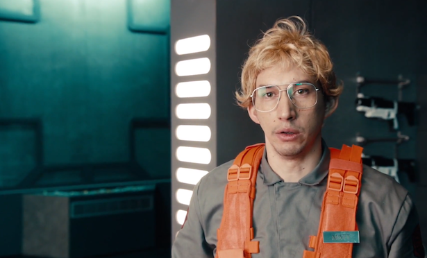 video-kylo-ren-adam-driver-undercover-boss-1