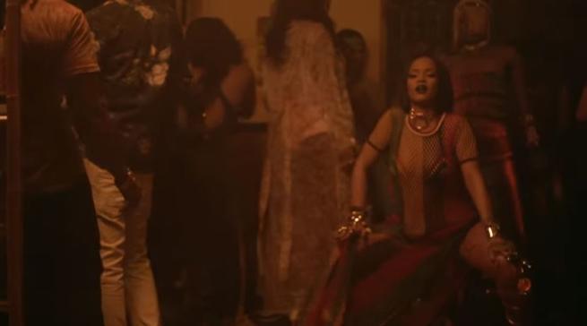 Rihanna-Work-momenti-hot-GIF
