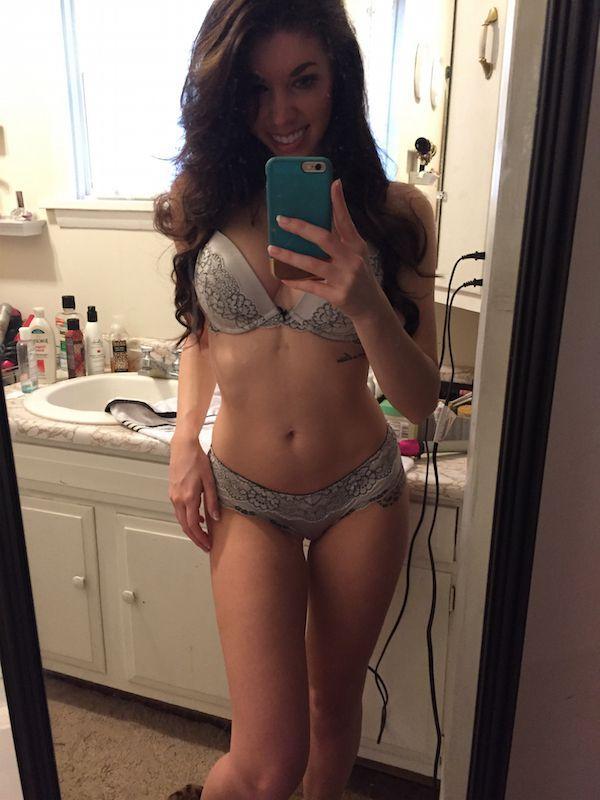 fit girl naked thigh gap