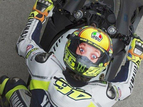 Valentino-Rossi-Casco-0